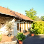 01-Rose-Apartment-family-cottage-holidays-France
